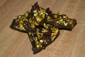 Healthy Pistachio and Dried Cranberry Bars by Lily-Gangsta