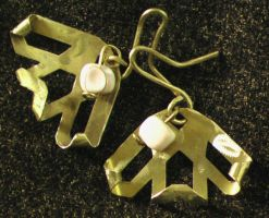 Copper Earrings with Ivory beads by Barah-Art