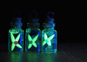 *Glowing* Legend of Zelda Inspired Fairy Bottles by IvrinielsArtNCosplay