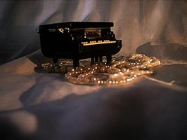 Little Piano by pattsy