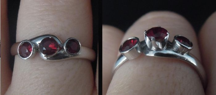 Garnet ring by ladiane