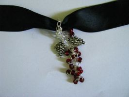 necklace - grapes . by Sizhiven