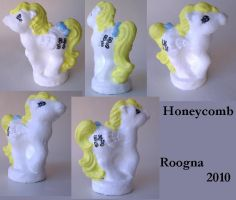 Honeycomb by Roogna