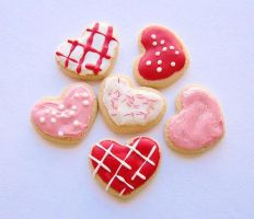Valentine's Day Heart Iced Sugar Cookies by MigotoChou
