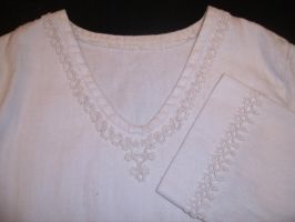 Hemp blouse with tatted edgings by digikijo