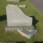 Clipped headstone by seeker-of-revelation