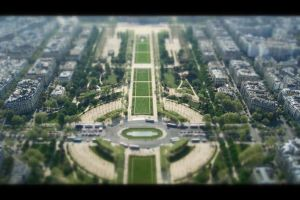 Tilt Shift - Top of the Eiffel Tower. by TomsStuff