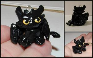 Toothless Dragon Charm by LeiliaK