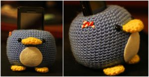 Penguin Cellphone Holder by katrivsor
