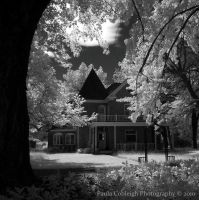 Haunted House in Infrared by La-Vita-a-Bella