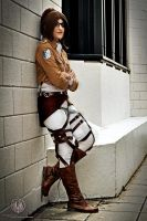 Hanji Zoe - Shingeki no Kyojin [Gritty!] by faramon