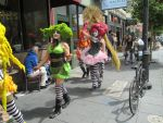 Green and Pink Female Clowns by Bauvy