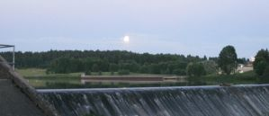Supermoon over dam - lake view (3/15) by outolumo