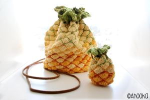 Pineapple crochet bag and purse by Ahookamigurumi