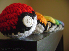 Pokeball crochet by Hauntingly