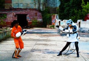 Glados vs. Chell by aiimeii