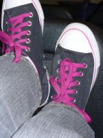 Pink Shoelaces by safyrejet