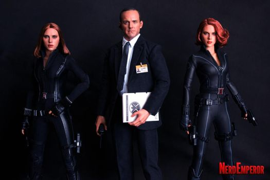 Hot Toys Agent Coulson and... Two Black Widows?! by ZaEmpera