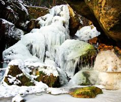 Frozen waterfall Lichtenhain by Lykorias