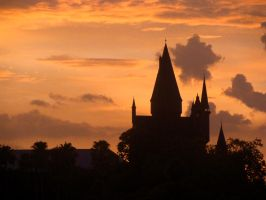 Hogwarts Castle at Sunset by arivanna