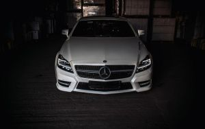 White Mercedes by originhd