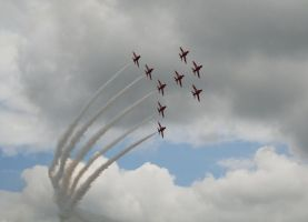 Red Arrows at Silverstone, 2 by brandonseaber