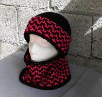Fashionable interlocked crochet hat and scarf pink by YANKA-arts-n-crafts