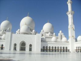 Grand Mosque - Abu Dhabi by Morethantoday