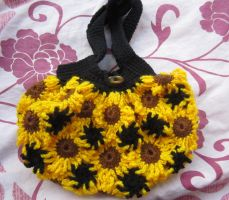 Crochet flower bag by Anitadoma