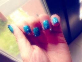 sparkly.sea nails by L-A-Addams-Art