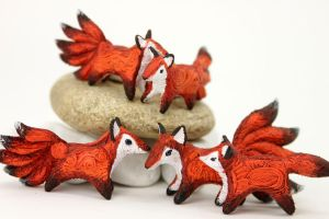 New foxes and kitsune) by hontor