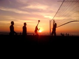 volleyball at sunset by imFranncy