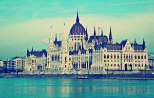 Hungarian Parliament by TheRafflesia