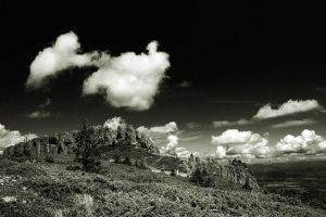 mountain contrast by adypetrisor