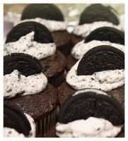 Oreo cupcakes by Speechlessly