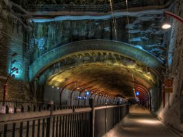 Railway tunnel by Tompelo