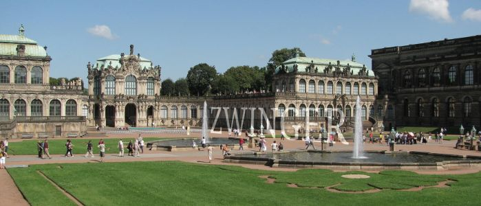 Zwinger courtyard by ralesk