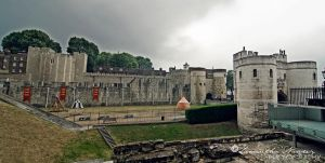 Tower of London by BlackCarrionRose