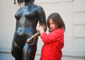 The girl, the statue by JordiTrenzano