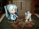 miku vs R2D2 by angelguardian9