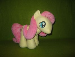 Fluttershy Plush by Nethilia