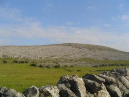 Rocky Hill by Mmagoo