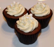 Gingerbread Cupcakes by Deathbypuddle