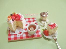 Dollhouse Miniature Strawberry Fruity Cheesecake by ilovelittlethings