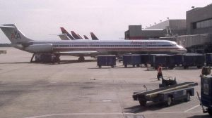American Airlines MD-82 by NinjaPickle