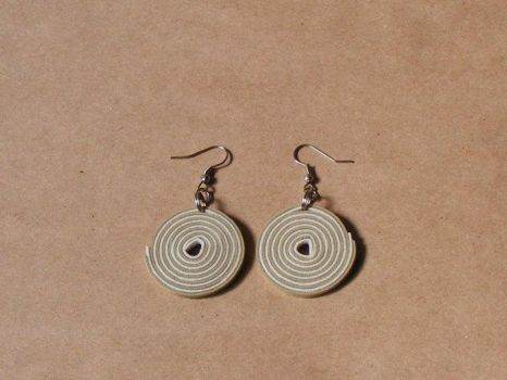 White and Nude earrings by Flos-Caeli