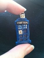 TARDIS Pendant by taylor-of-the-phunk