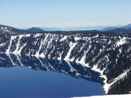 Crater lake by Ilikethefair