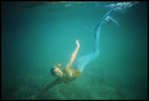 Mermaid submerged 4 by wildplaces