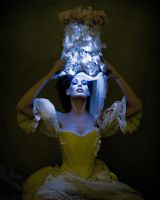 Chiaroscuro Queen by andrewfphoto